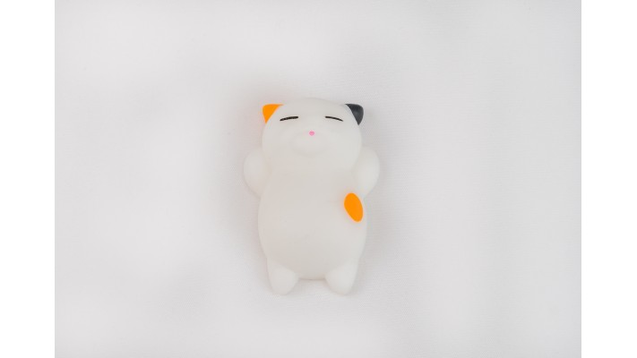 Squishi White Mix Cat